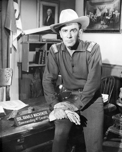 Picture of Richard Carlson in Mackenzie's Raiders