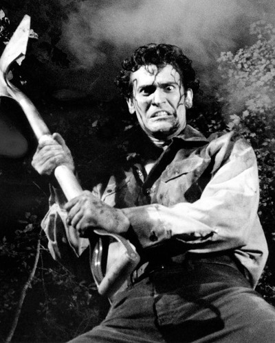 Picture of Bruce Campbell in Evil Dead II