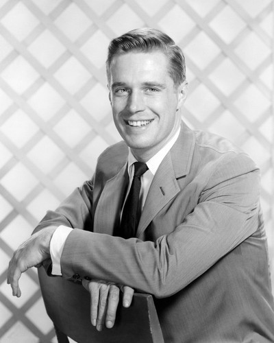 Picture of George Peppard in Breakfast at Tiffany's