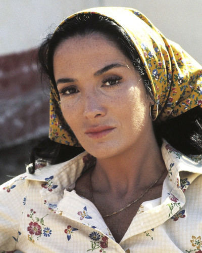 Picture of Linda Cristal in Mr. Majestyk