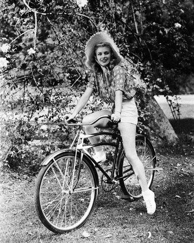 Picture of Ginger Rogers in Carefree