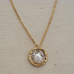 Pearl in Layered Frame Necklace