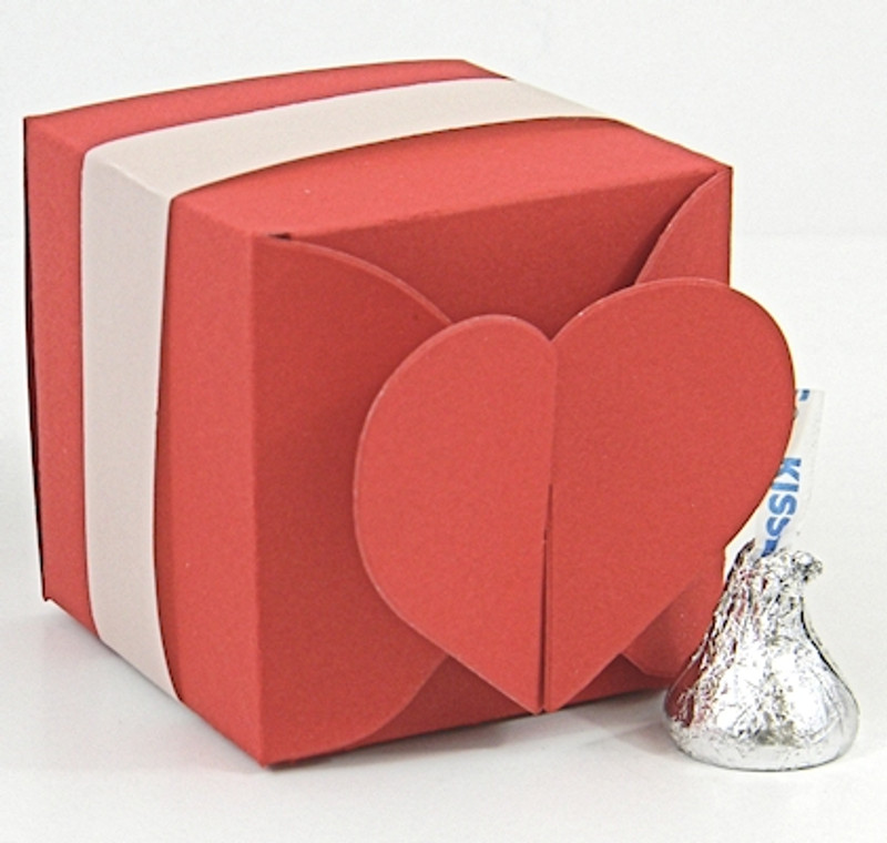 Heart Closure Box shown in Shimmering Red. Box Belt not included.