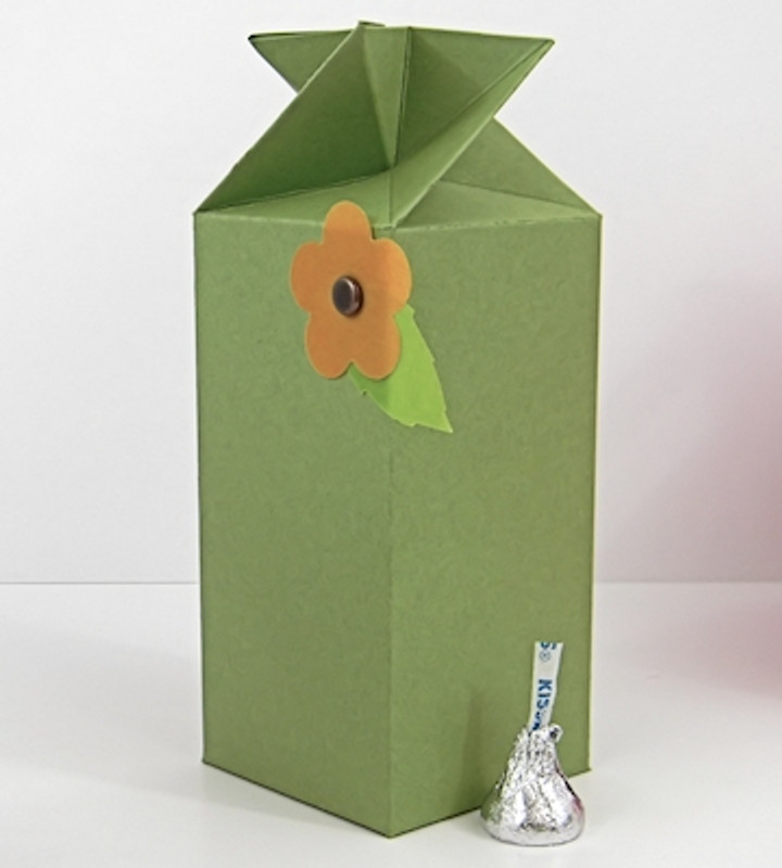 Twist Top Box shown in PopTone Gumdrop Green. Blossom not included.