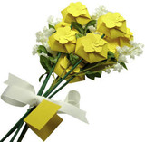 Box Bouquet shown in PopTone Lemon Drop.
