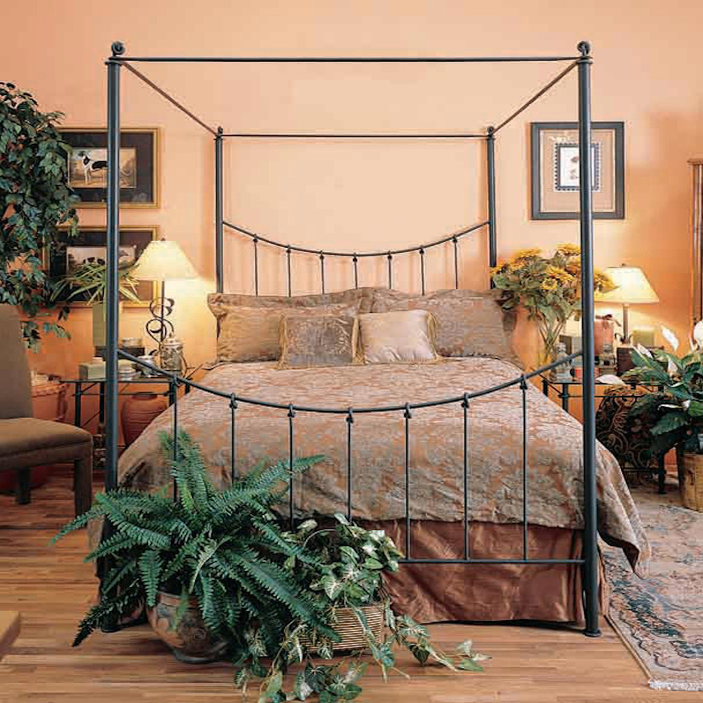 Knot Canopy Iron Cal King Bed