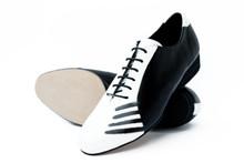 Online Tango Shoes - 2x4 al pie San Telmo Flex Negro y Blanco