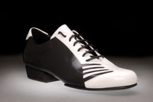 Online Tango Shoes - 2x4 al pie San Telmo - Negro y Blanco (fully leather)
