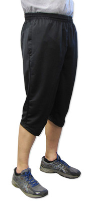 Triumph 3/4-length men's soccer training pants - front on figure
