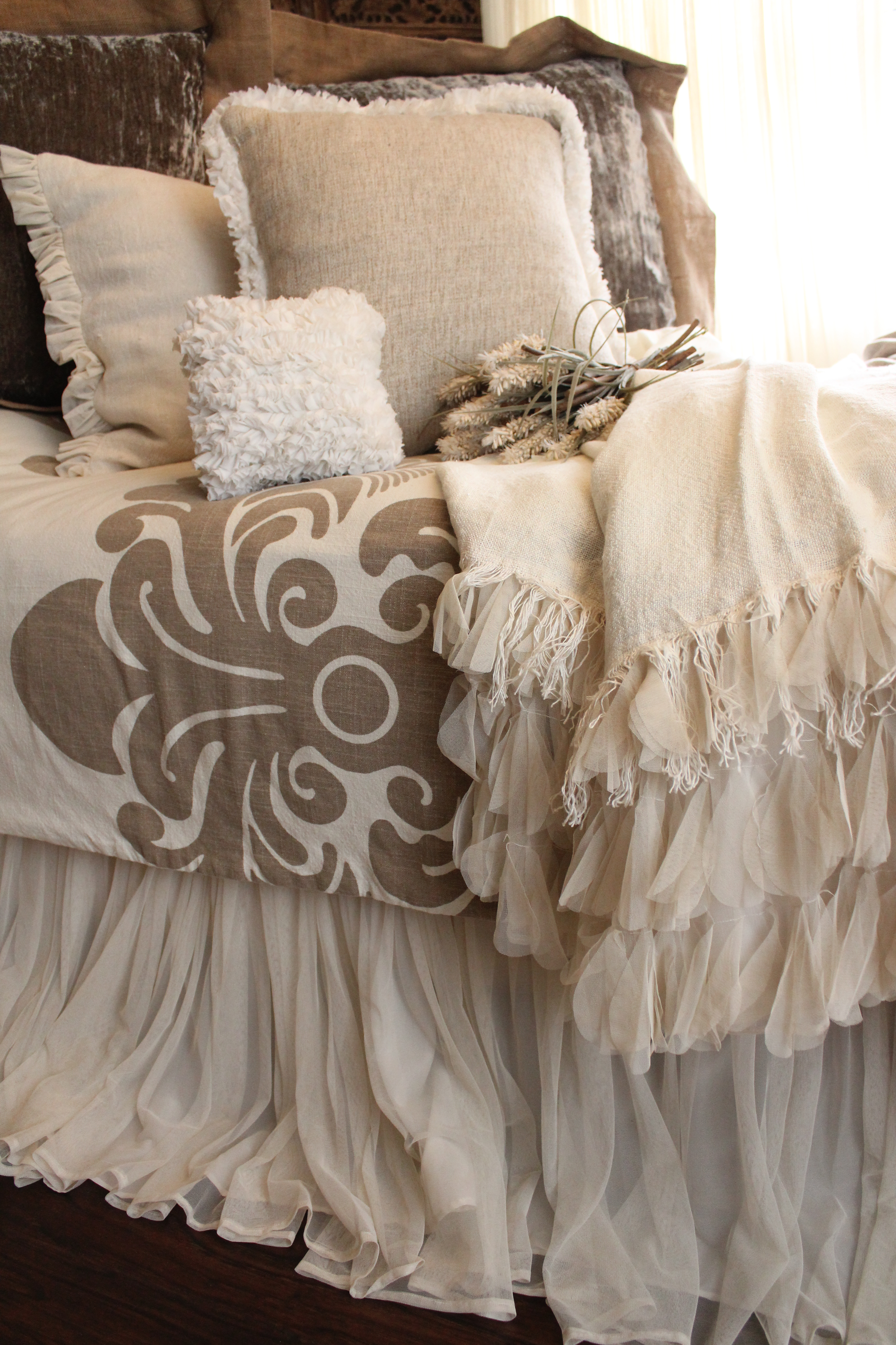 couture-dreams-bedding-postcard.jpg