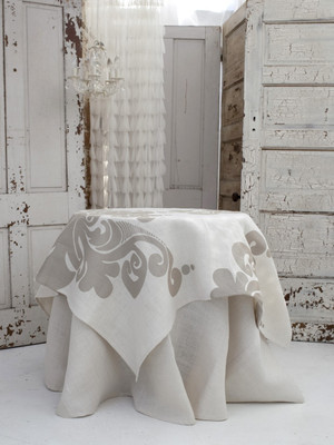 Enchantique Ivory Jute Table Topper