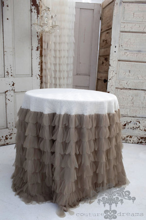 "Chichi Sable Petal/Ivory Jute Tablecloth - 30"" R"