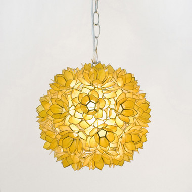 Worlds Away Venus Pendant in Gold Translucent Shells