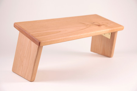 Alder hardwood meditation bench