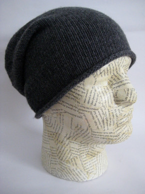 Slouchy unisex cashmere hat