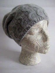 Slouchy cashmere hat for women