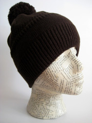 Winter ski hat for women and girls