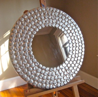 Bottle cap furniture shane ruff studio for Espejos con marcos decorados