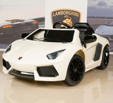 12V Lamborghini Aventador LP700 Ride On Car With Remote White