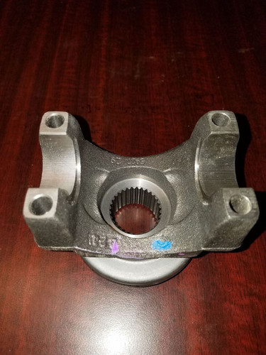 Chrysler 9.25 Front Differential Pinion Yoke
