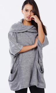 Counting Stars Poncho in Grey by PIZZUTO*