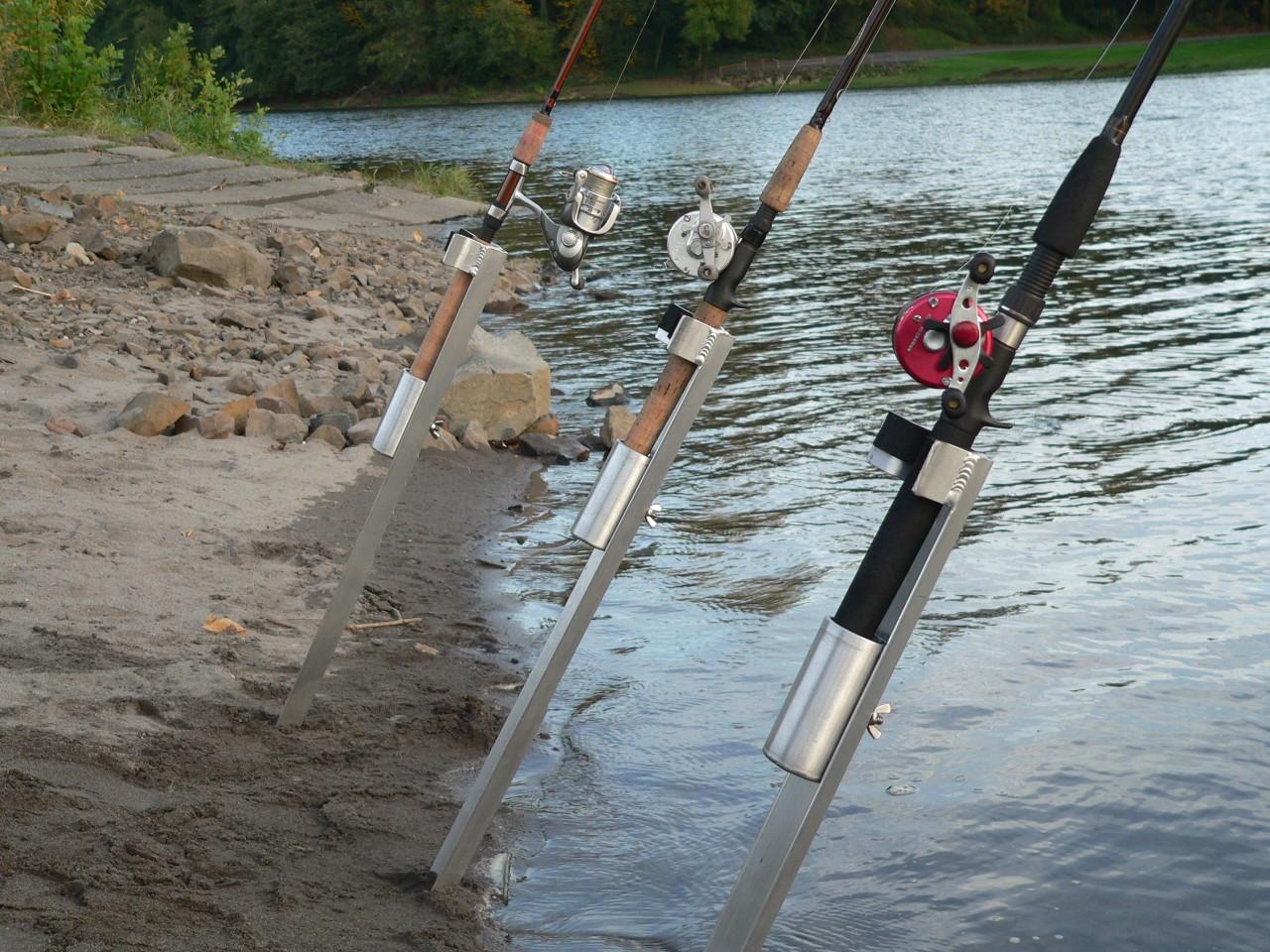Bank station sand spike surf spike bank fishing rod holder for Surf fishing rod holders