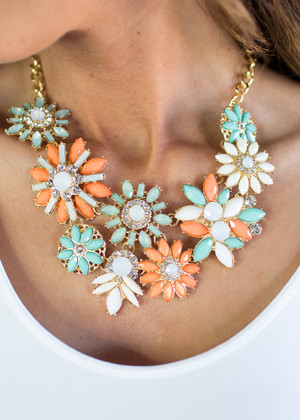 Brighten Your Day Peach/ Mint Necklace CLEARANCE