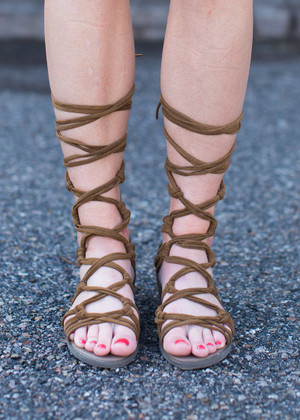 A Knot to Offer Gladiator Sandals Tan CLEARANCE