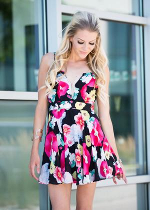 A Friday Night Dance Floral Dress Black/Pink