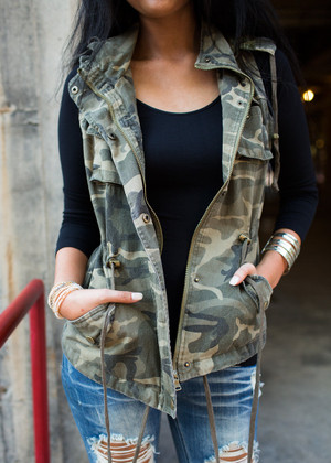 Camo Cinched Cargo Vest CLEARANCE