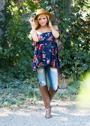 Field of Dreams Off the Shoulder Top Navy