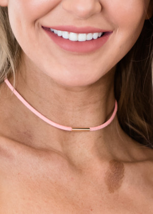 Single Layer Choker Pink