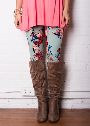 Extremely in Love Floral Mint Leggings