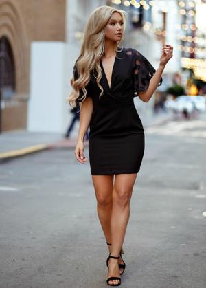 Plaid Print Lace Flare Sleeve Dress Black