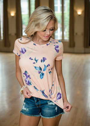 So Knotty Floral Twisted Top Blush