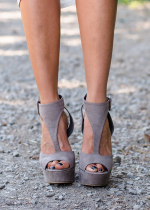Start Moving Heels Taupe