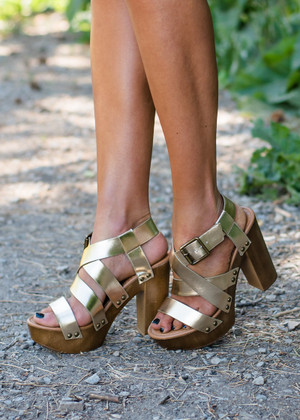 The Best Strappy Wedged Heels Champagne/Gold