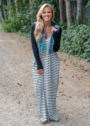 Beachy Keen Striped Maxi Ivory/Black