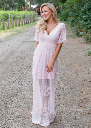 V-Neck Lace Detailed Maxi Dress Pink