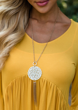 Wooden Circle Necklace White