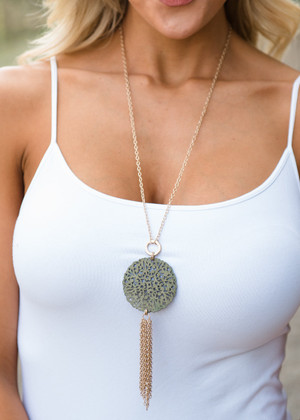 Wooden Circle Necklace Olive