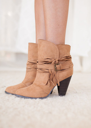 Eye Catching Boots Tan CLEARANCE