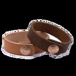 """Armband """"Schweizerkreuz"""" in braunem PullUp und in ungefärbtem Rindsleder."""
