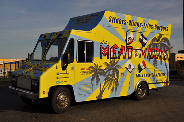 -gf-food-truck-vehicle-wrap-for-meat-in-the-middle-1.png