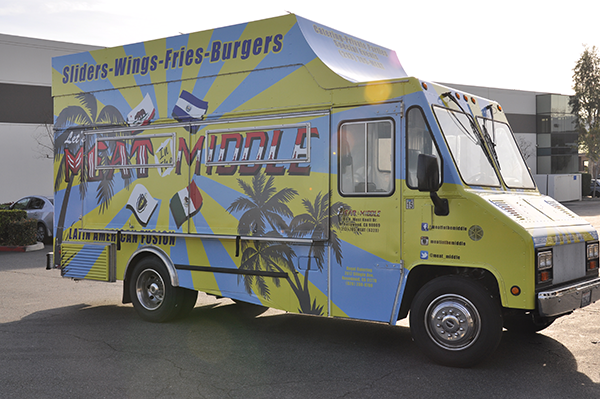 -gf-food-truck-vehicle-wrap-for-meat-in-the-middle-4.png