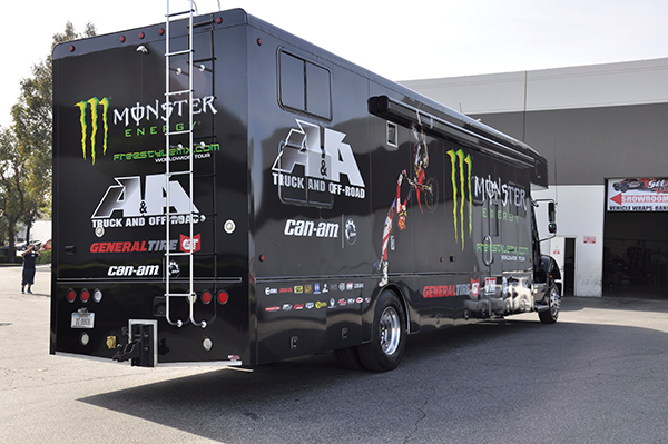 3m-gloss-motorhome-wrap-for-freestyle-mx-and-monster-energy-16.png