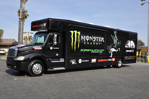 3m-gloss-motorhome-wrap-for-freestyle-mx-and-monster-energy-24.png
