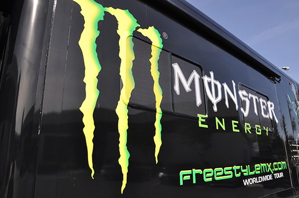 3m-gloss-motorhome-wrap-for-freestyle-mx-and-monster-energy-6.png