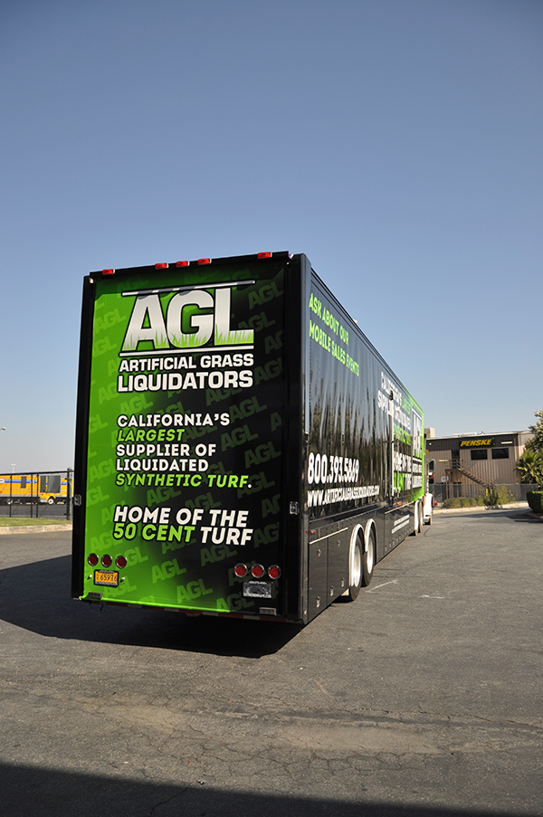 53-trailer-3m-gloss-wrap-for-artificial-grass-liquidators-4.png
