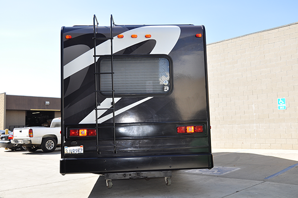 thor-class-c-motorhome-wrap-for-a-family-6.png